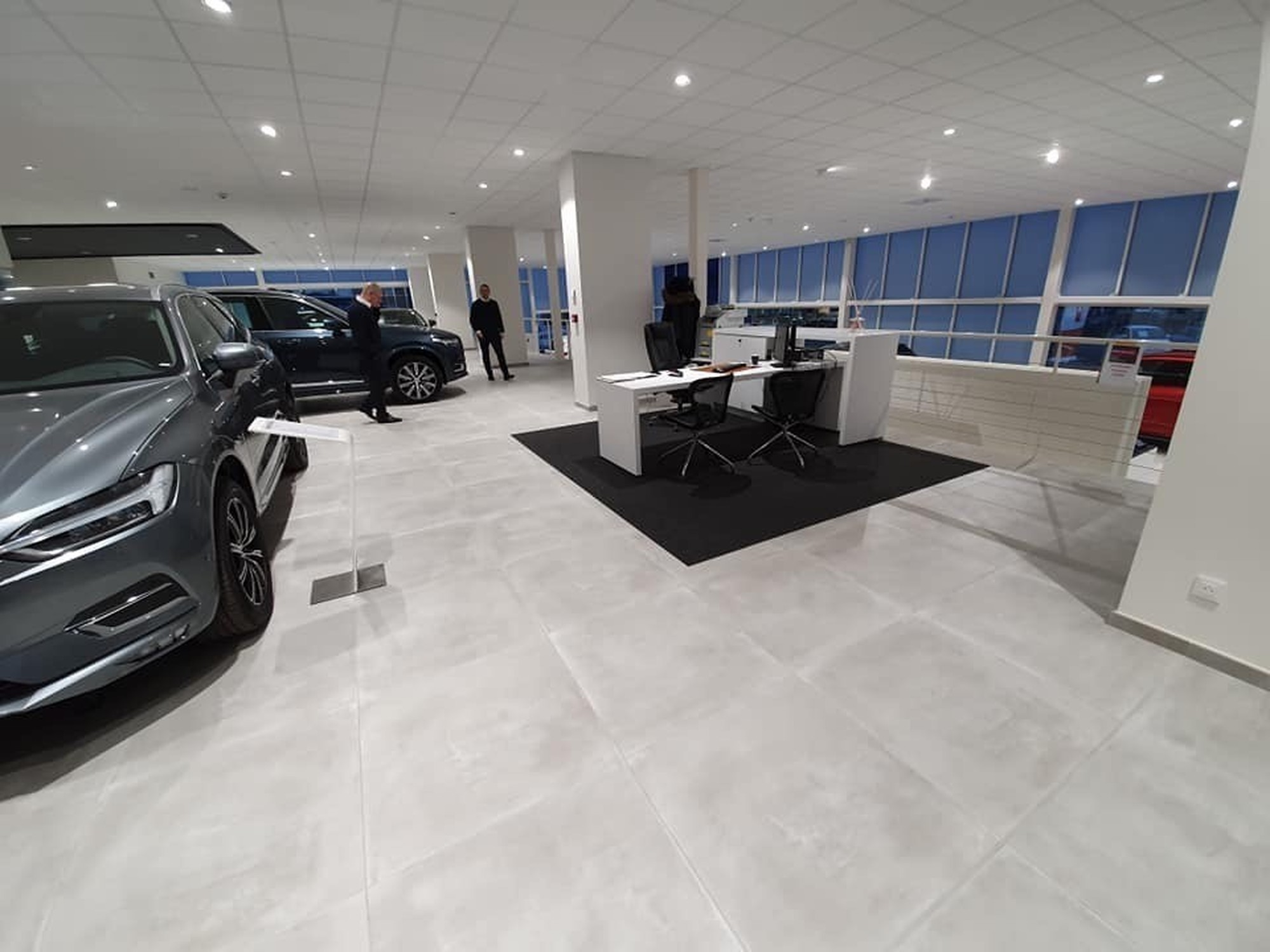 Concession Automobile VOLVO (Garage PESALOVO Charleroi) | RD Carrelages Concept